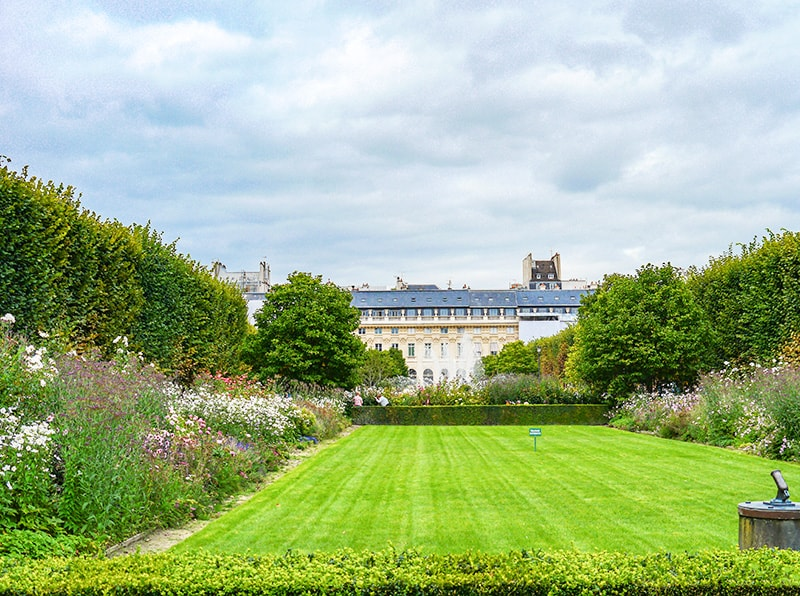 Hidden gems in Paris - Palais Royal Gardens