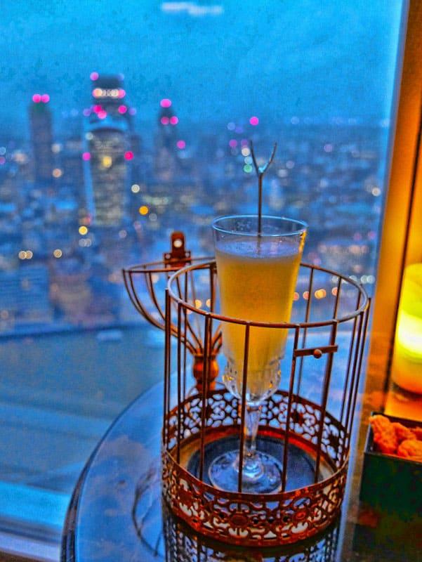 Cocktails at GŎNG Shangri-La London - The Highest London Bar