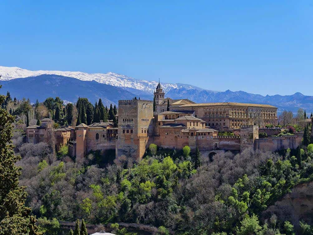 Visit the Alhambra - Is it Best By Day or Night?