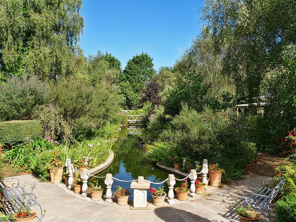 regs_garden_jersey_visit