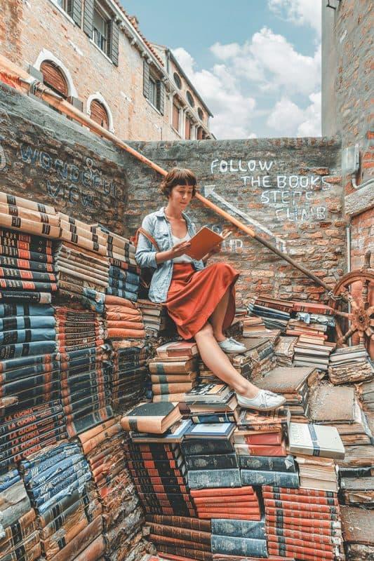 Instagrammable places in Venice - Libreria Acqua Alta