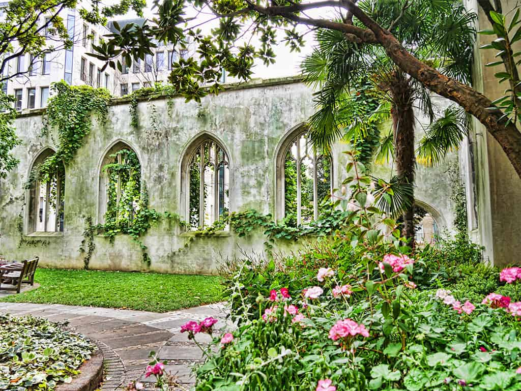 Saint Dunstan in the East churchyard garden