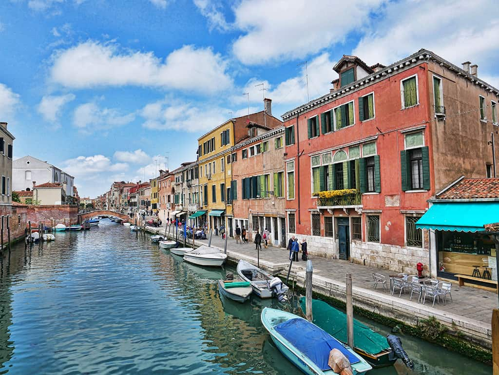 ITALY OFF THE BEATEN PATH - HIDDEN GEMS AND BEAUTIFUL VILLAGES