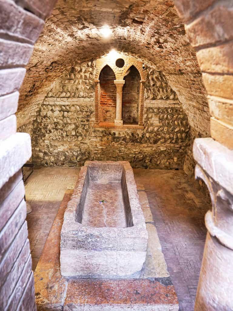 Juliet's tomb in Verona, Italy