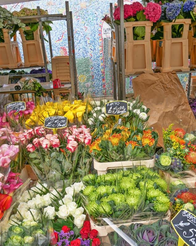 Romantic walks in London - Columbia Road Flower Market