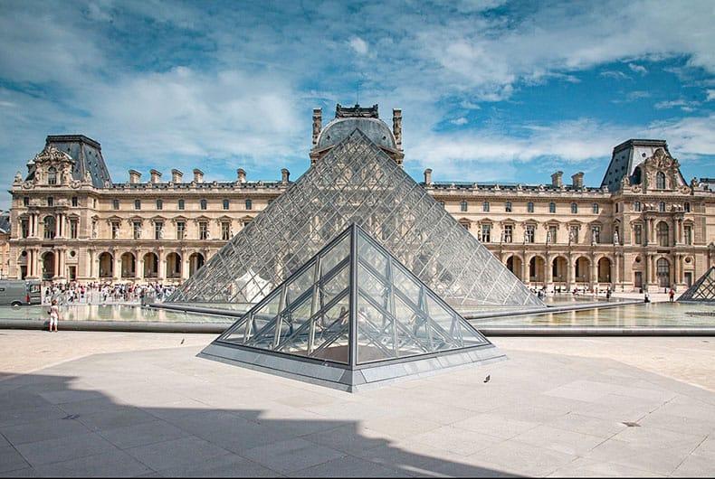 Best virtual art museum tours including The Louvre, Paris, France