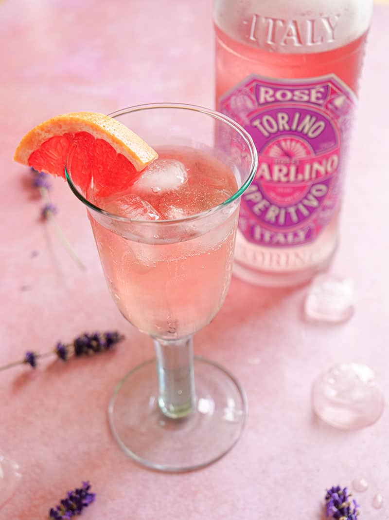 Rose Spritz Recipe – The Perfect Summer Cocktail