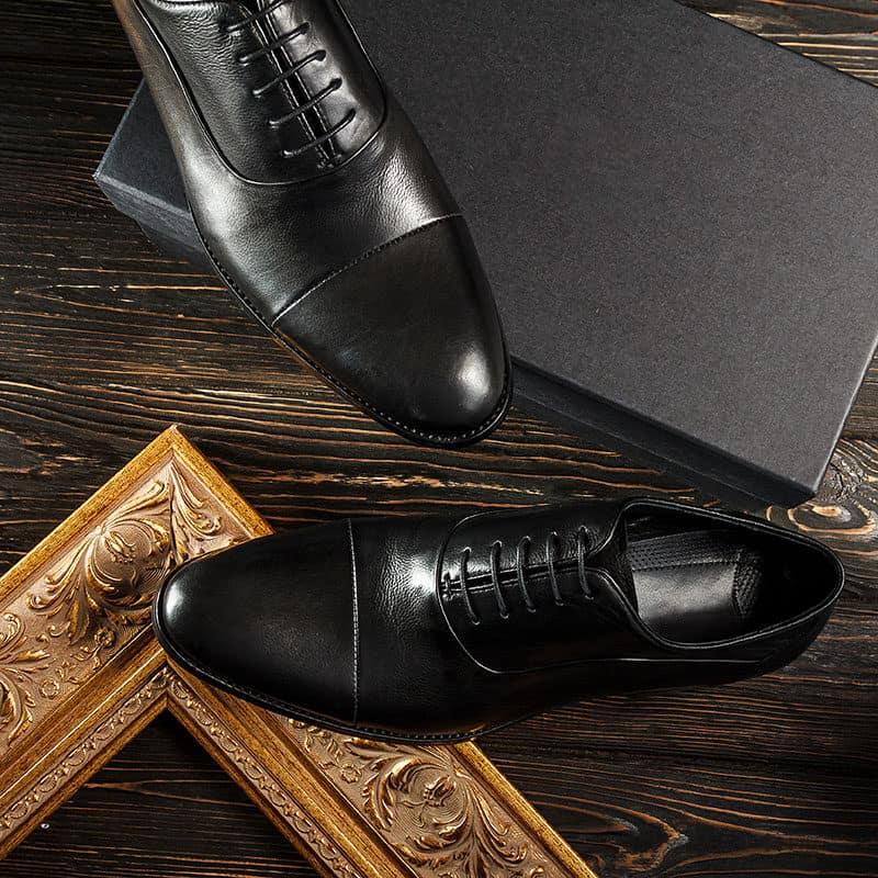 Black leather cap toe Oxford men's shoes