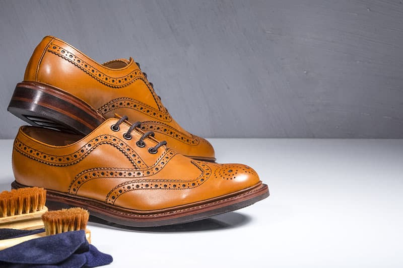 Full brogue Oxford leather shoes