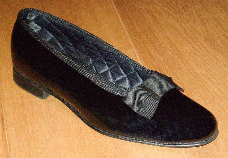 Men's patent court shoes